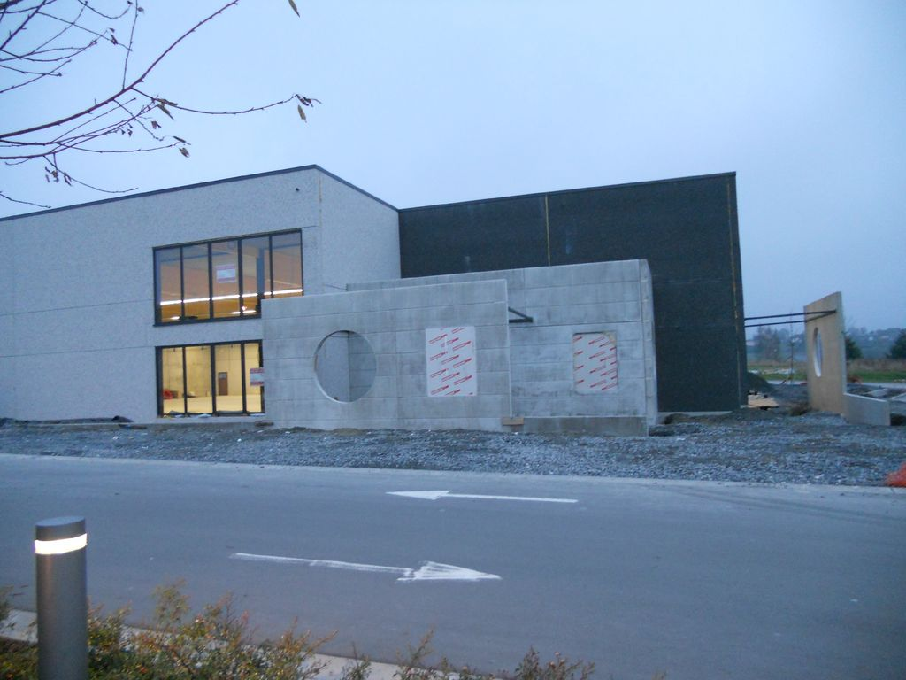 11.Neufchateau-hall-commercial06_1024