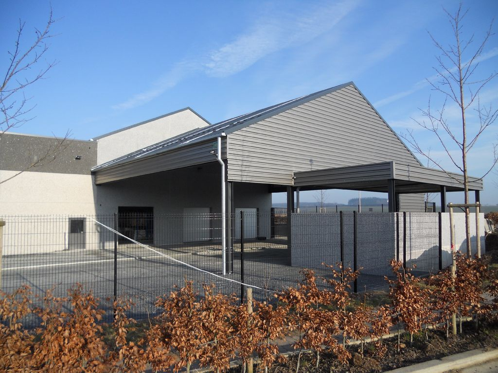 11.Neufchateau-hall-commercial11_1024