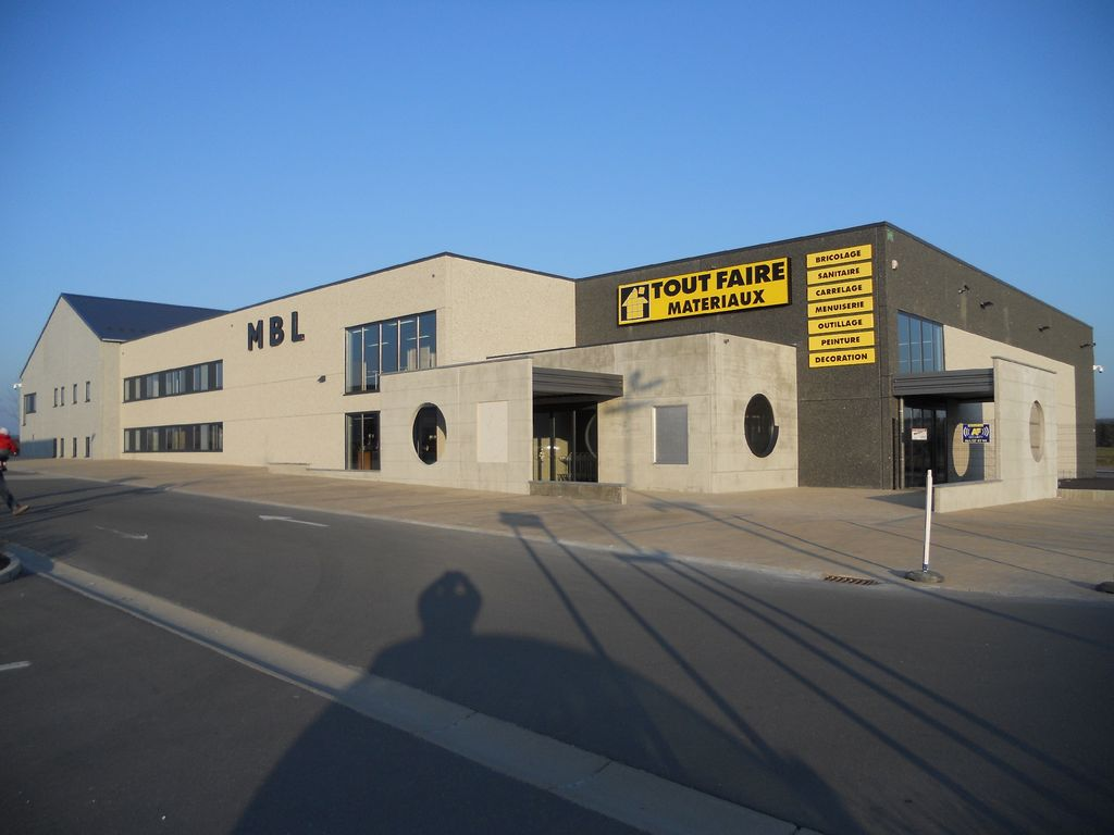 11.Neufchateau-hall-commercial12_1024